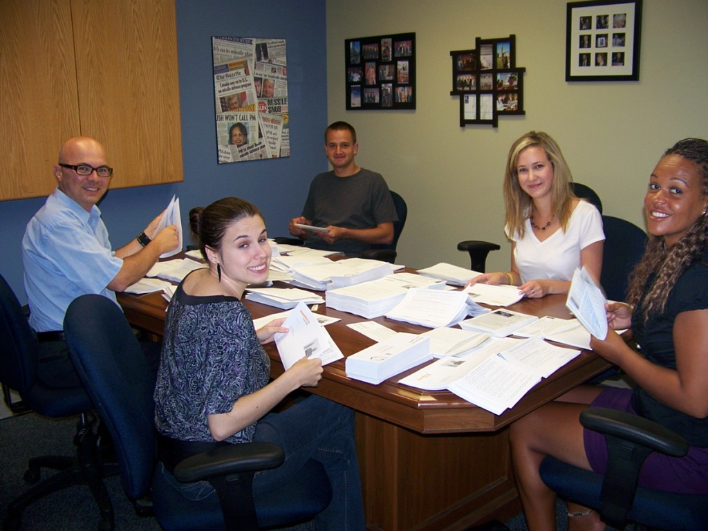 Our team of volunteers sending letters to 2500 Ceasefire.ca supporters.