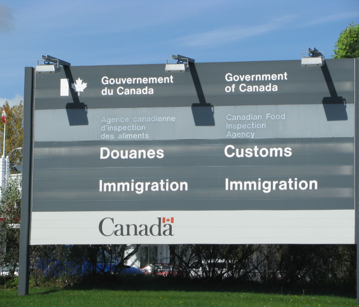 Canadian_Customs_and_Immigration_sign